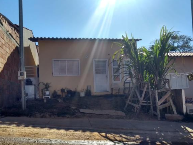 2740 - Casa, Residencial, 2 dormitório(s)
