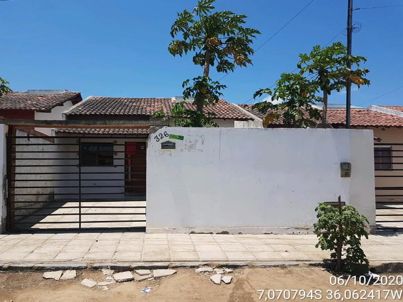 2702 - Casa, Residencial, 2 dormitório(s)